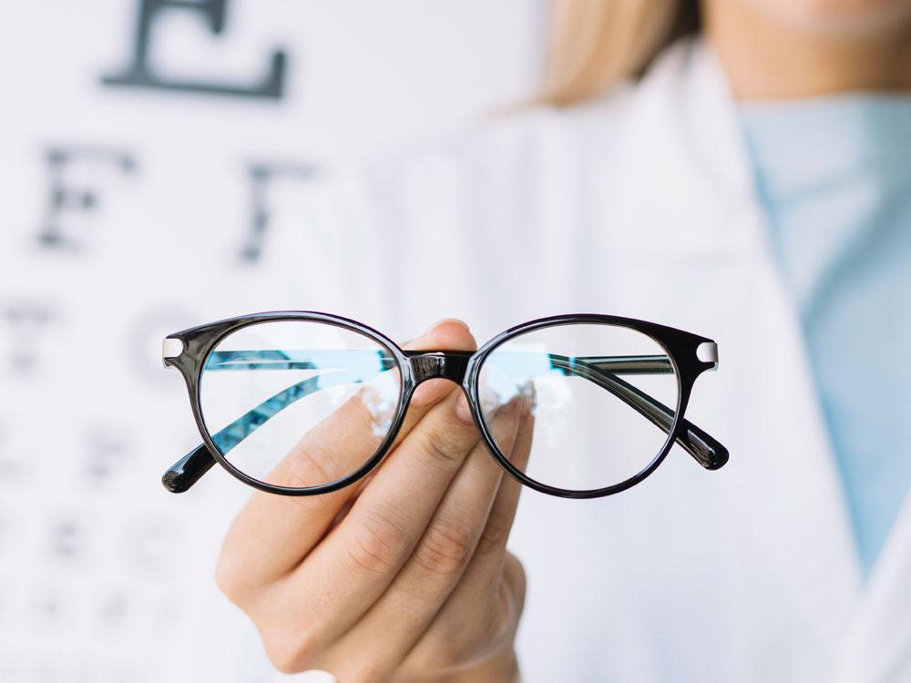 ¿Qué son las lentes fotocromáticas? | Marta Montoya Óptica